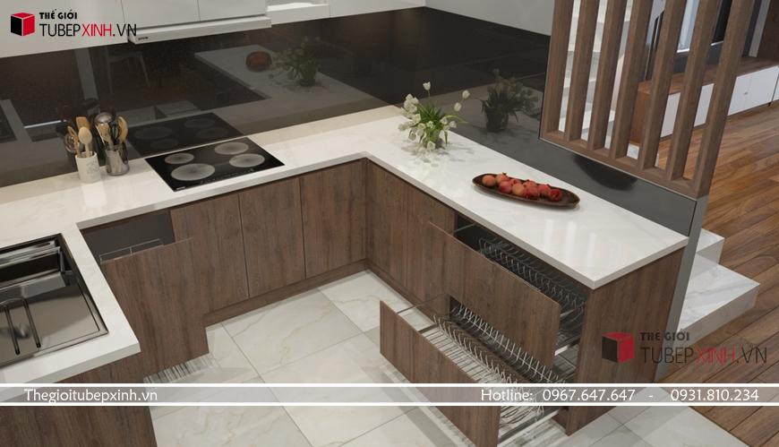 Kết hợp màu vân gỗ và trắng sáng cho tủ bếp chung cư